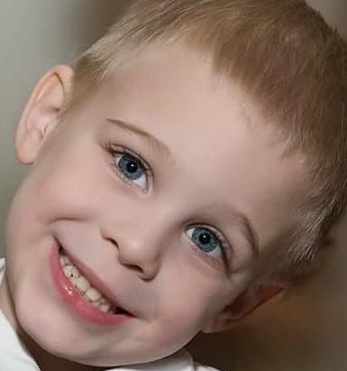 A gyermek szemének színe